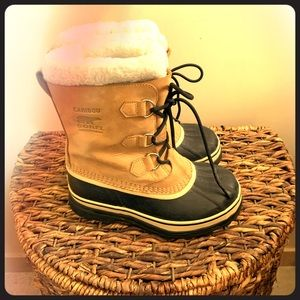 Sorel Big Kids Caribou Boot - Buff Color - Size 5